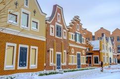 Gambrel-roofed huizen in Kiev Stock Afbeeldingen