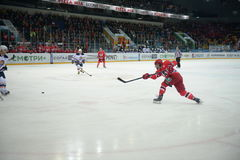 The game between hockey clubs Avtomobilist Yekaterinburg and Amur Khabarovsk 27/09/2014 Royalty Free Stock Images