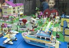 GameBrick。立方体乐高博物馆和陈列模型。圣彼得堡 库存图片
