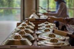 Gamelan, instruments de musique traditionnels en Indonésie image libre de droits