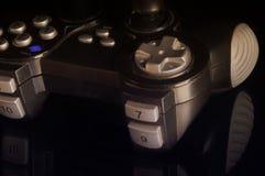 Gamepad auf einer Spiegelbasis Lizenzfreies Stockbild