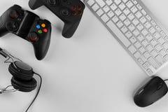 Gamepads, мышь, наушники и клавиатура Стоковое Изображение RF