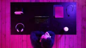 Gamer που κάνει μια κλήση απόθεμα βίντεο