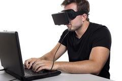 Gamer виртуальной реальности стоковые изображения rf