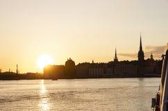 Gamla日落的stan老斯德哥尔摩 免版税图库摄影