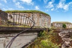 Gamla övergav betongbunker från perioden WW2 Arkivfoton