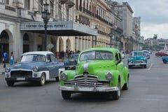 Gamla bilar på havannacigarren Arkivbilder