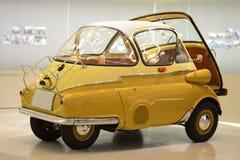 Gamla BMW Isetta Arkivfoto