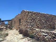 Gamla bondehus som göras av stenen i Sicilien Italien fotografering för bildbyråer