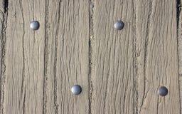 Gamla bräden med metallbeståndsdelen & x28; rivets& x29; Royaltyfria Foton