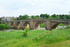 Gamla bro och River Tyne på Corbridge, Northumberland Arkivbild