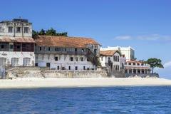Gamla byggnader av stenstaden i Zanzibar, Tanzania Royaltyfria Bilder