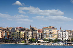 Gamla byggnader för Korfu stad Arkivbild