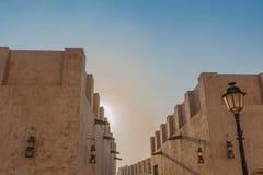 Gamla byggnader i den Sharjah staden Arkivbilder