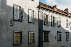 Gamla byggnader i Graz Arkivfoton