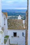 Gamla byggnader i Monsaraz Arkivbild
