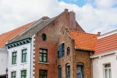 Gamla byggnader i Roermond, Nederländerna royaltyfri fotografi