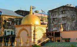 Gamla byggnader i Yangon Fotografering för Bildbyråer