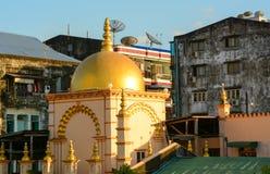 Gamla byggnader i Yangon Arkivbilder