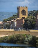 Gamla byggnader på bankerna av River Arno i Florence - FLORENCE/ITALIEN - SEPTEMBER 12, 2017 Arkivfoto