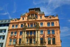 Gamla byggnader, Wenceslas Square, ny stad, Prague, Tjeckien Fotografering för Bildbyråer