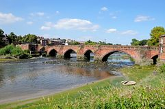 Gamla Dee Bridge, Chester Royaltyfri Foto