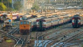 Gamla diesel- lokomotiv och drev i Bangkok Royaltyfria Bilder