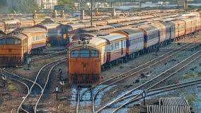 Gamla diesel- lokomotiv och drev i Bangkok Arkivfoto