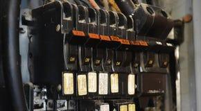 Gamla elektriska säkerhetsbrytare Royaltyfri Bild