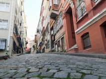 Gamla färgrika byggnader i Istanbul arkivfoto