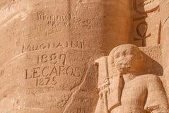 Gamla fördärvar 19 århundradet, grafitti på forntida av Abu Simbel Temple, Arkivbilder