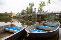 Gamla fartyg på en flod Fotografering för Bildbyråer