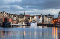 Gamla fartyg som förtöjas till kajen Fotografering för Bildbyråer
