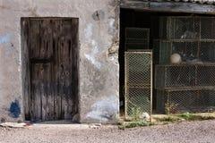 Gamla fiskkorgar för fiskarehuswhit Fotografering för Bildbyråer