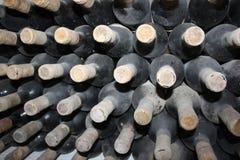 Gamla flaskor av vinrankan Royaltyfri Foto