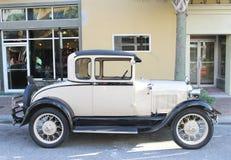 Gamla Ford Car Royaltyfria Bilder