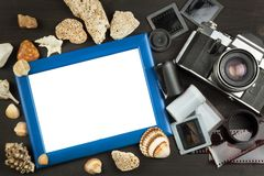 Gamla foto av sjösidaferien Den gammala kameran Minnen av havet Familjalbumfoto Minnen av ungdom Fotografering för Bildbyråer
