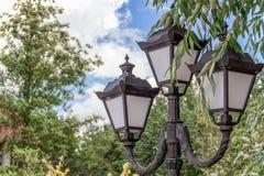 Gamla gataljus för Arkivfoto