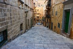 Gamla gator av Valletta, Malta Royaltyfria Bilder
