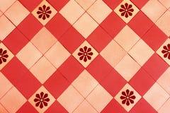 Gamla golvtegelplattor, härlig prydnad royaltyfri foto