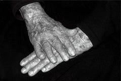 Gamla händer i svartvitt Royaltyfria Foton