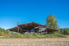 Gamla Hay Barn In Autumn Arkivbilder