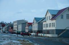 Gamla hus i Akureyri Island fotografering för bildbyråer