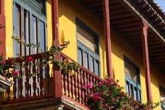 Gamla hus i Cartagena i Colombia royaltyfri foto