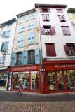 Gamla hus i Le Puy en Valay, Frankrike Royaltyfri Foto