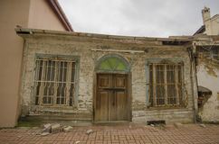 Gamla hus och gator i Mudanya arkivbild