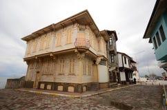 Gamla hus och gator i Mudanya fotografering för bildbyråer
