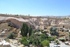 Gamla infallhus i den Cappadocia sikten Arkivfoton