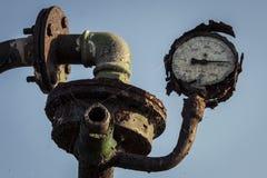 Gamla inte funktionsdugliga Rusty Pressure Gauge royaltyfria bilder