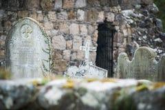 Gamla irländska gravvalv royaltyfri bild
